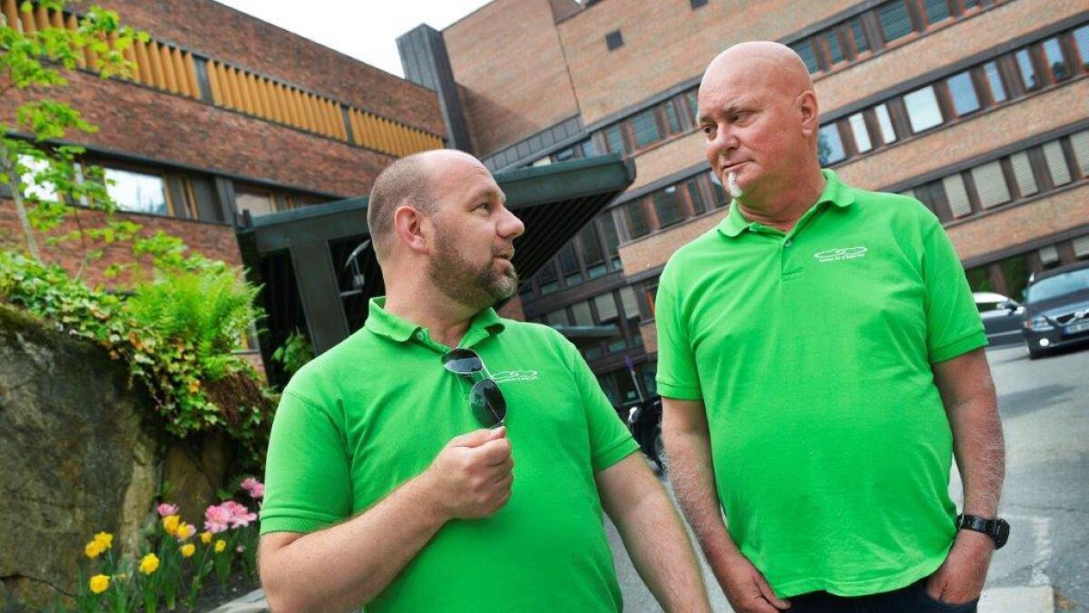 Frank Andersen (til venstre på bildet) og Roar Norheim kjemper for at pasienter som føler seg utsatt for feilbehandling skal ha større rettigheter enn de har i dag. Derfor har de startet en egen forening med utgangspunkt i Aust-Agder.