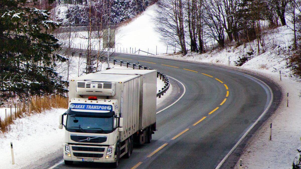 E16 kan vera glatt, åtvarar trafikantar torsdag morgon. Illustrasjonsfoto