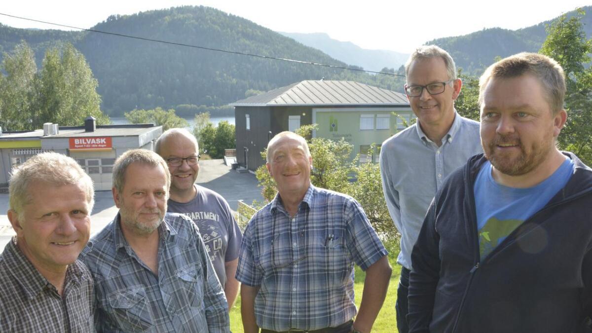 Tarjei Gjelstad (Ap) (f.v.), Hartwig John (V), Tarjei Draugedal (KrF), Halvor Nyland (H), Egil Jøsendal (MDG) og Bjørn Nordskog (Sp).