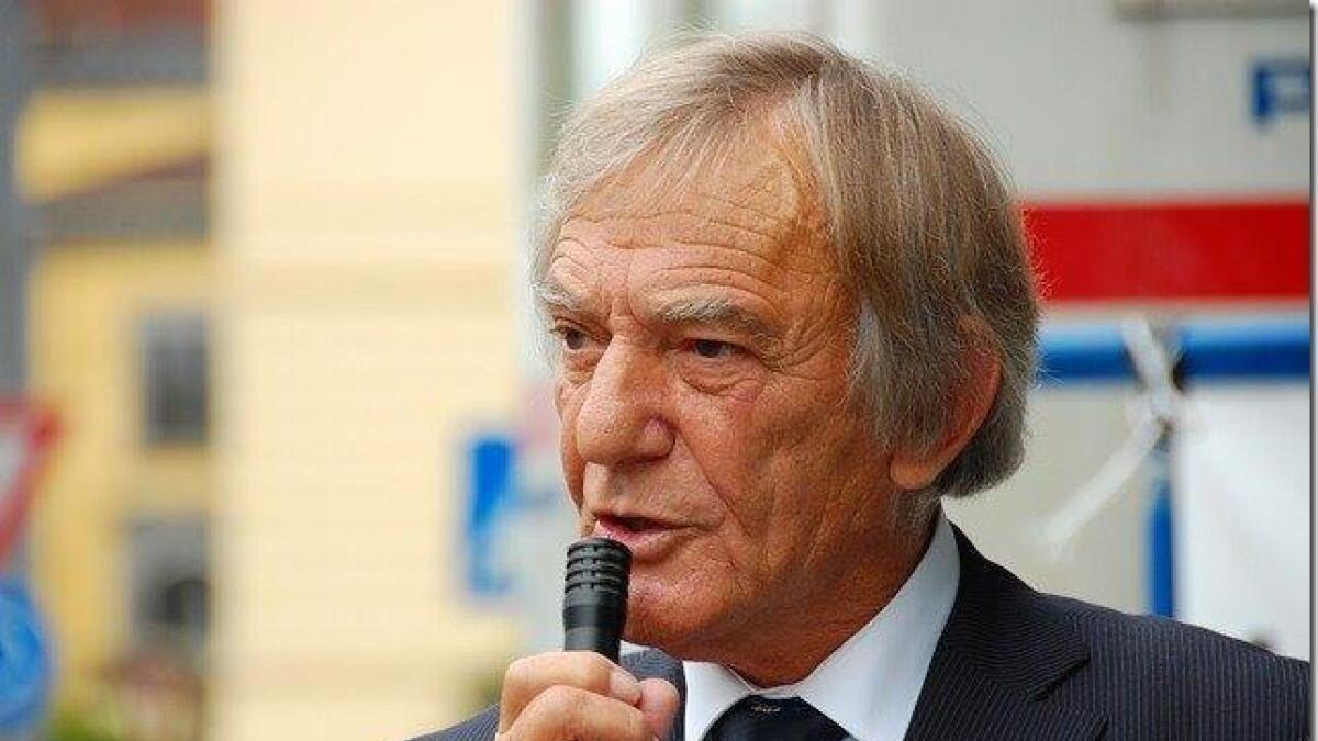 - Poppe åpner for intoleranse og islamske holdninger som er på kollisjonskurs med grunnleggende norske verdier., skriver Arne Tumyr.