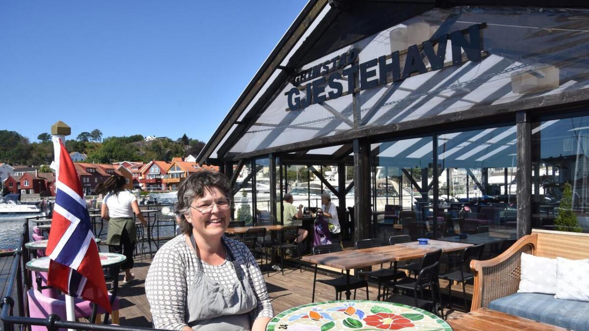 Tone Rosseland er den som trekker i trådene på kjøkkenet i restauranten Ibsens Landgang i gjestehavna.
