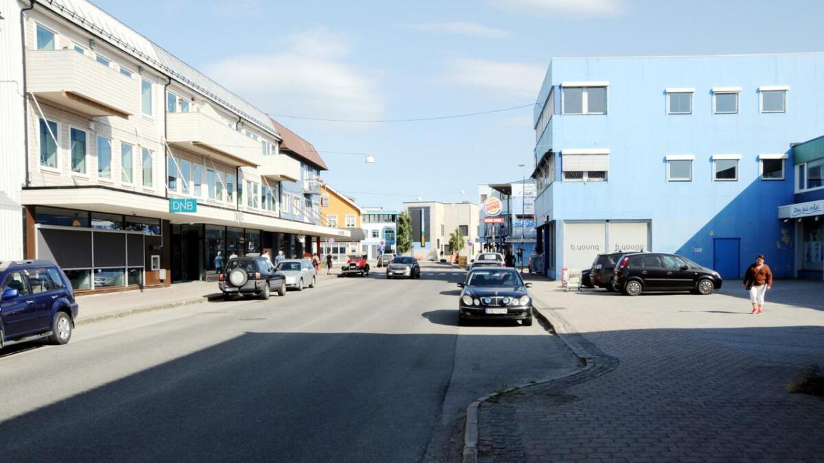 I Strandgata blir det tømt for biler allerede fredag kveld.