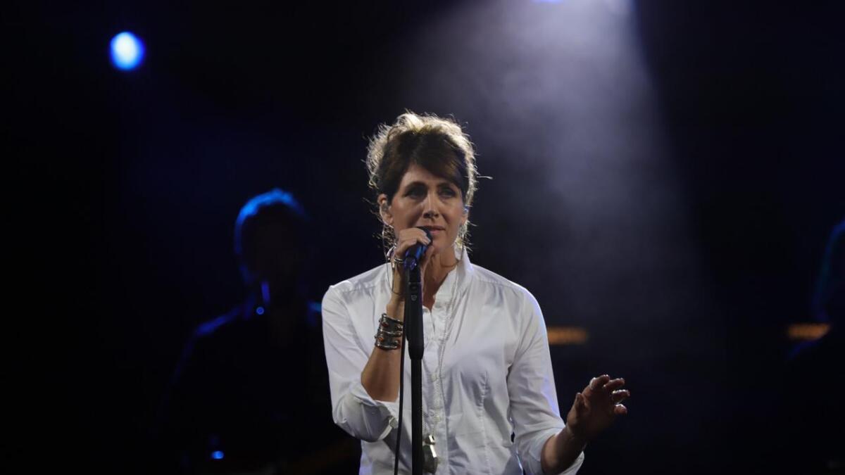 Kari Bremnes spiller kirkegårdskonserten under Canal Street 2019.