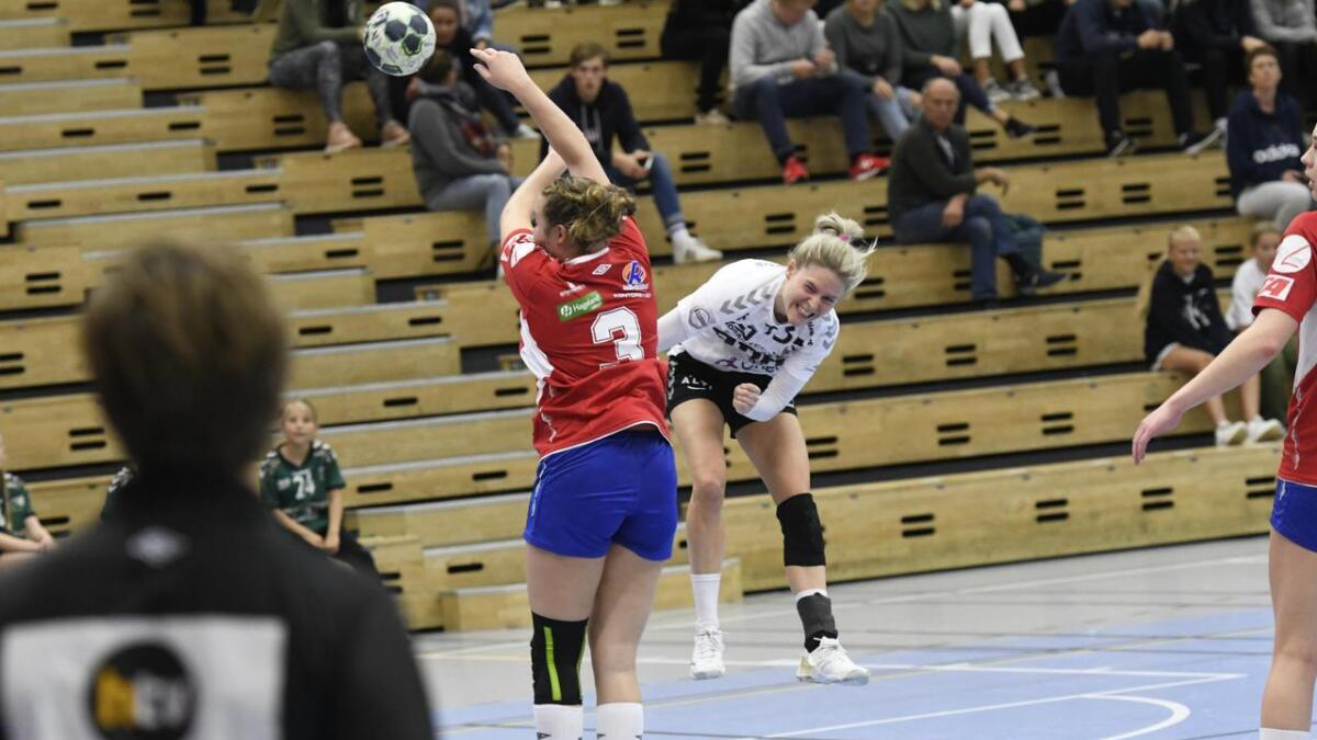 Sascha Juul og Grane Arendal-laget er ubeseiret i serie og cup så langt i sesongen. Søndag er det Rælingen som er motstander på bortebane i 1. divisjon.