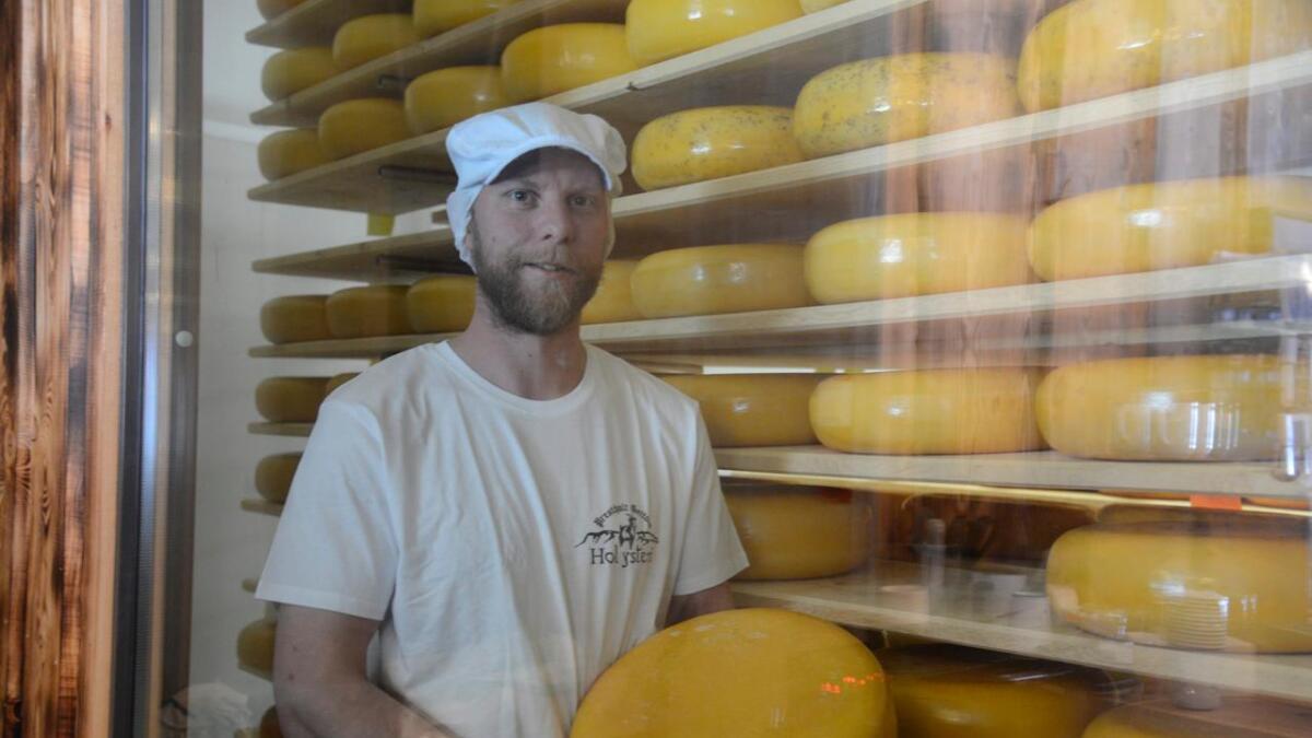 Tim Reidar Stenberg er ein av mange aktørar i ostebygda Hol. (Arkivfoto).