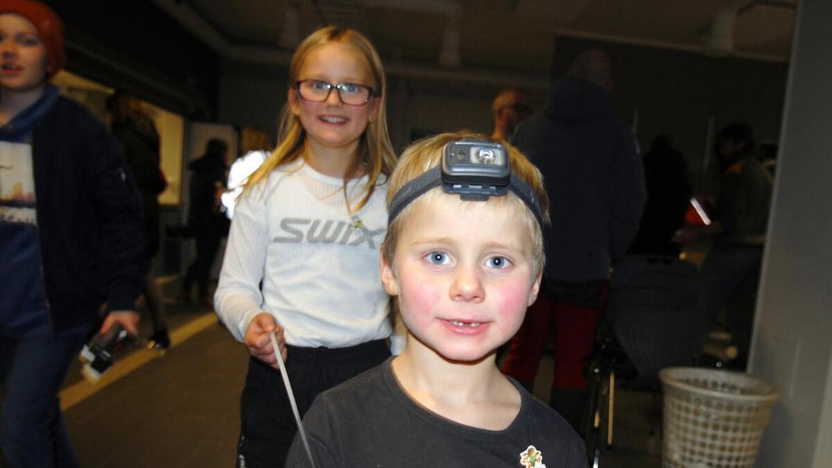 Jørgen og Ida er fornøyde deltagere hos Stokmarknes Orienteringslag.