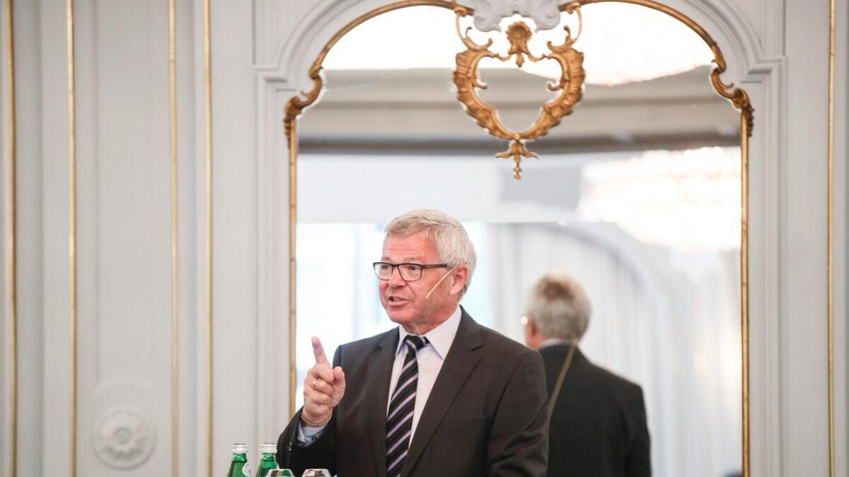 Leder av Oslosenteret Kjell Magne Bondevik leder seminaret ved Oslosenteret og Foundation Dialogue for Peace, Lech Walesa
