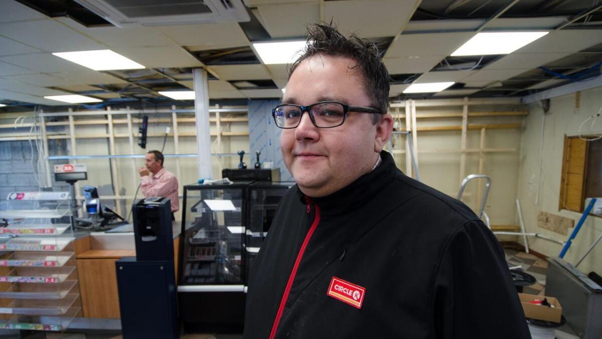 Stig-Ivan Larsen er dagleg leiar på Circle K-stasjonen på Ål.