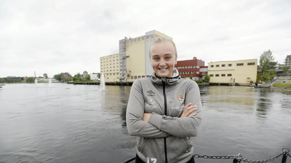 Rikke Marie Grave har som følge av skader ikke spilt en håndballkamp siden april 2018, men nå håper 19-åringen å være tilbake på banne om ikke veldig lenge. Kanskje allerede mot Vipers i seriepremieren.