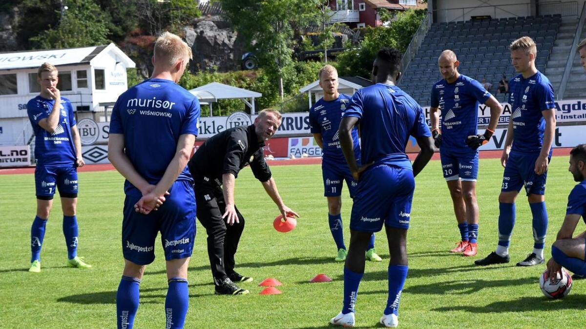 Arne Sandstø var svært engasjert på fredagens trening.