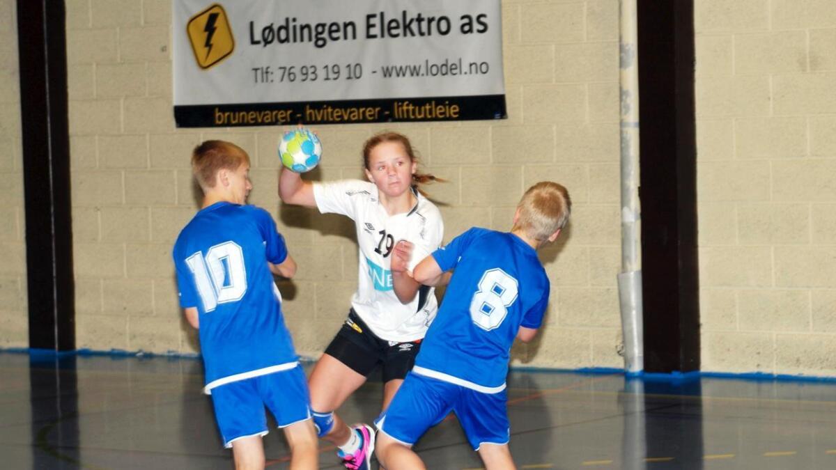 Johanne Bjørlo viste seg som en særdeles god avslutter i kampen mot Lødingen. Hjemmelagets spillere hadde store vansker med å stoppe den tøffe og gode spilleren fra Sortland.
