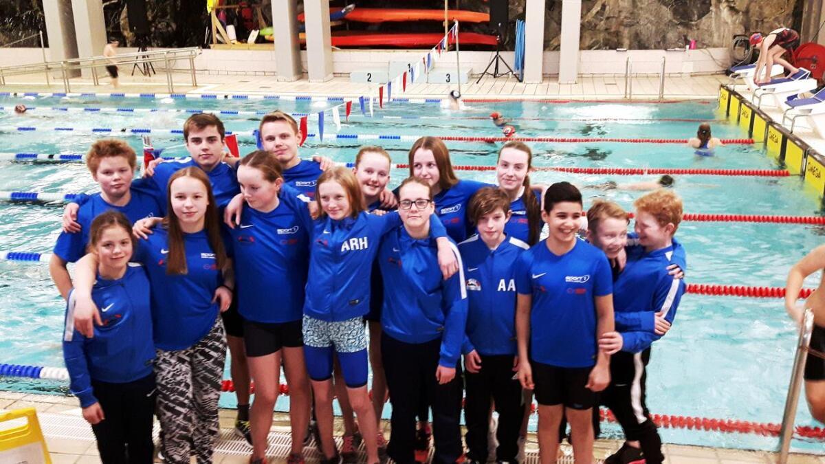 Sortland svømme- og livredningsklubb stilte en stor tropp på stevnet.
