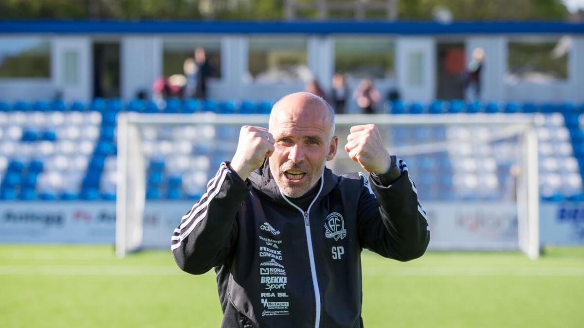 Arendal-trener Steinar Pedersen etter den overbevisende storseieren mot Moss.