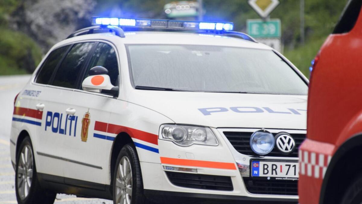 Mykje var gale då politiet onsdag kveld stansa ein bil i Skrivarvegen. Bilen vart avskilta, og sjåføren fekk bot og vart fråteken førarkortet.