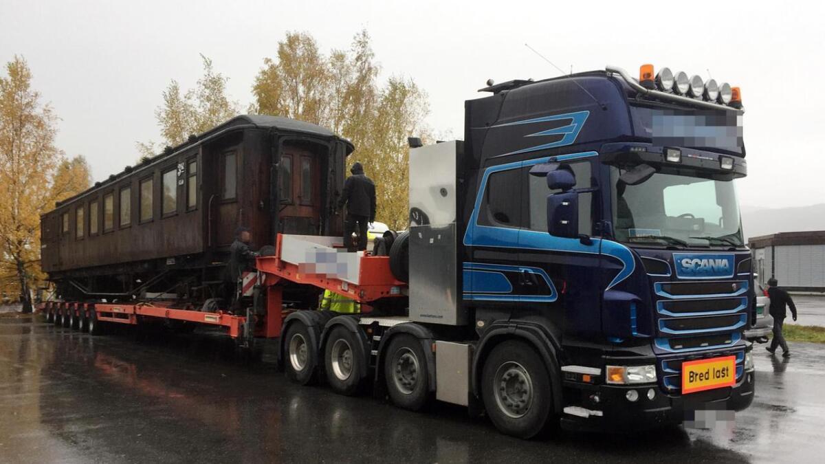 Passasjervognen skulle vært fraktet til Rjukan, men ble stoppet i en kontroll tirsdag og politianmeldt.