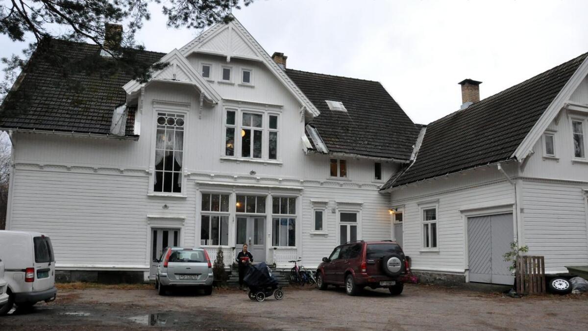 Sveitservillaen på Vikeland får en prisantydning for 3 millioner kroner.
