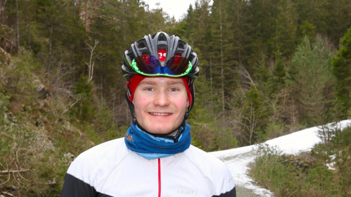 Sverre Lunde Pedersen er ifølgje pressemeldinga kraftig forslått og har fått store skrubbsår av møtet med asfalten, men har ingen påviste brot eller alvorlege skader.