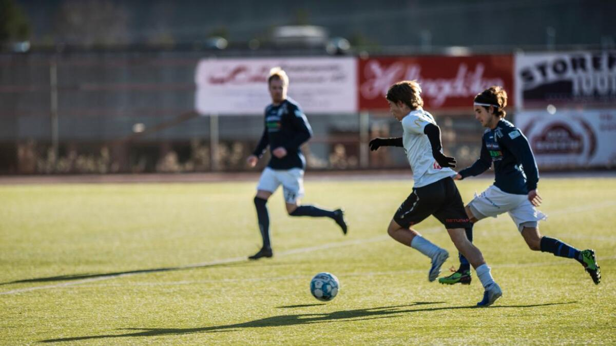 Laurdag møtte HFK Modumpå heimebane. Kampen enda 6-1 til Modum.
