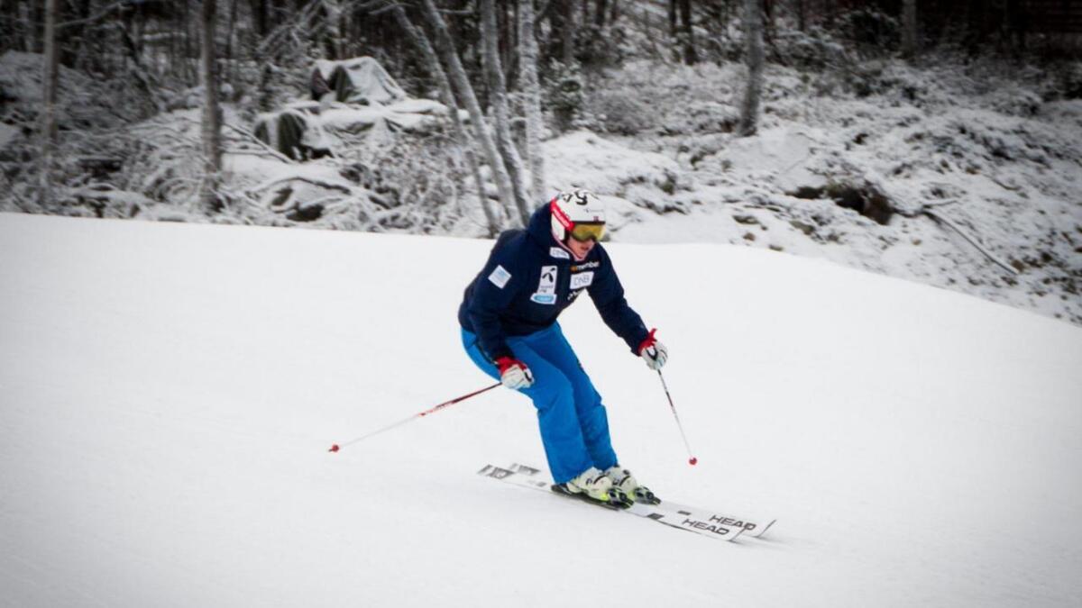 Maria Tviberg trenar i skianlegget på Geilo for fyrste gong etter kneskaden for eitt år sidan.