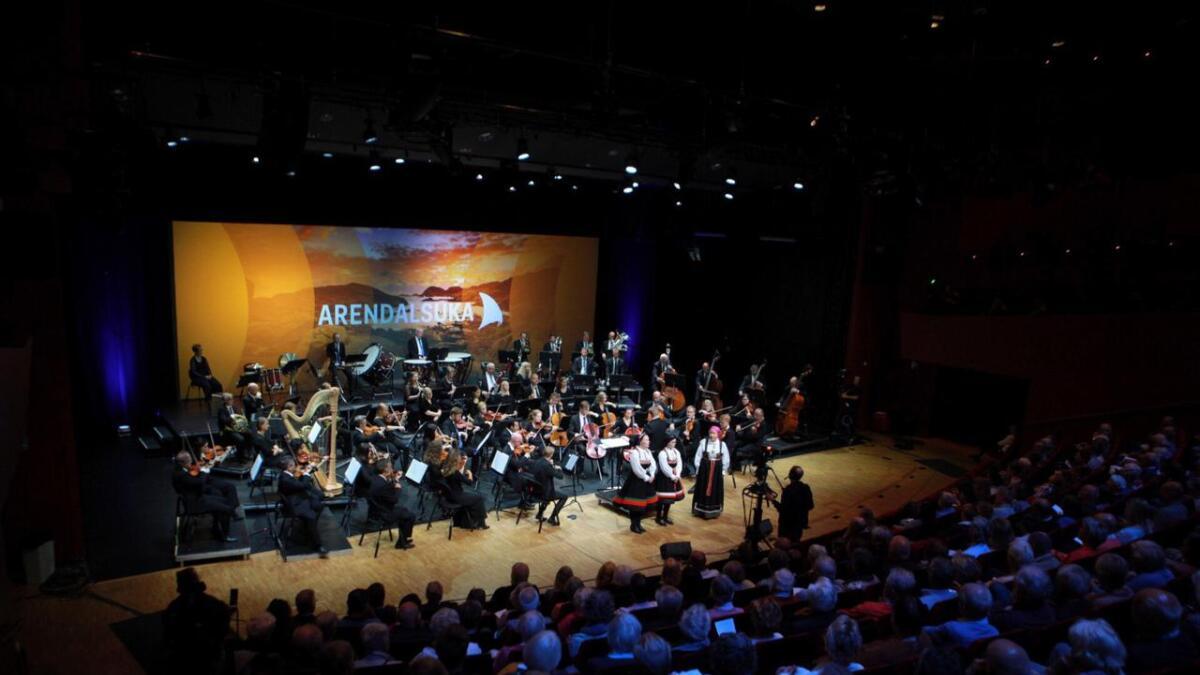 Publikum fikk en smakebit på hvordan stev og et helproft symfoniorkester kan fungere i tospann.