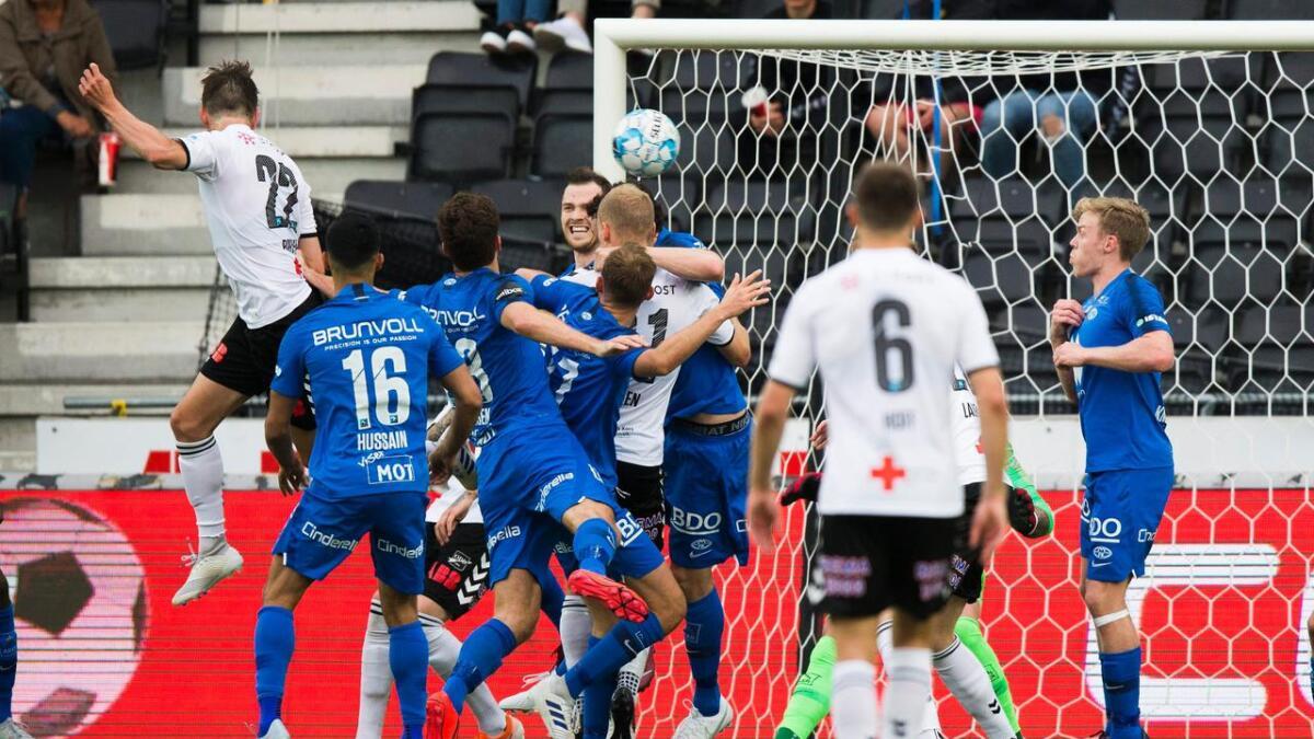 Torgeir Børven utligner til 2-2 for Odd i hjemmekampen mot Molde.