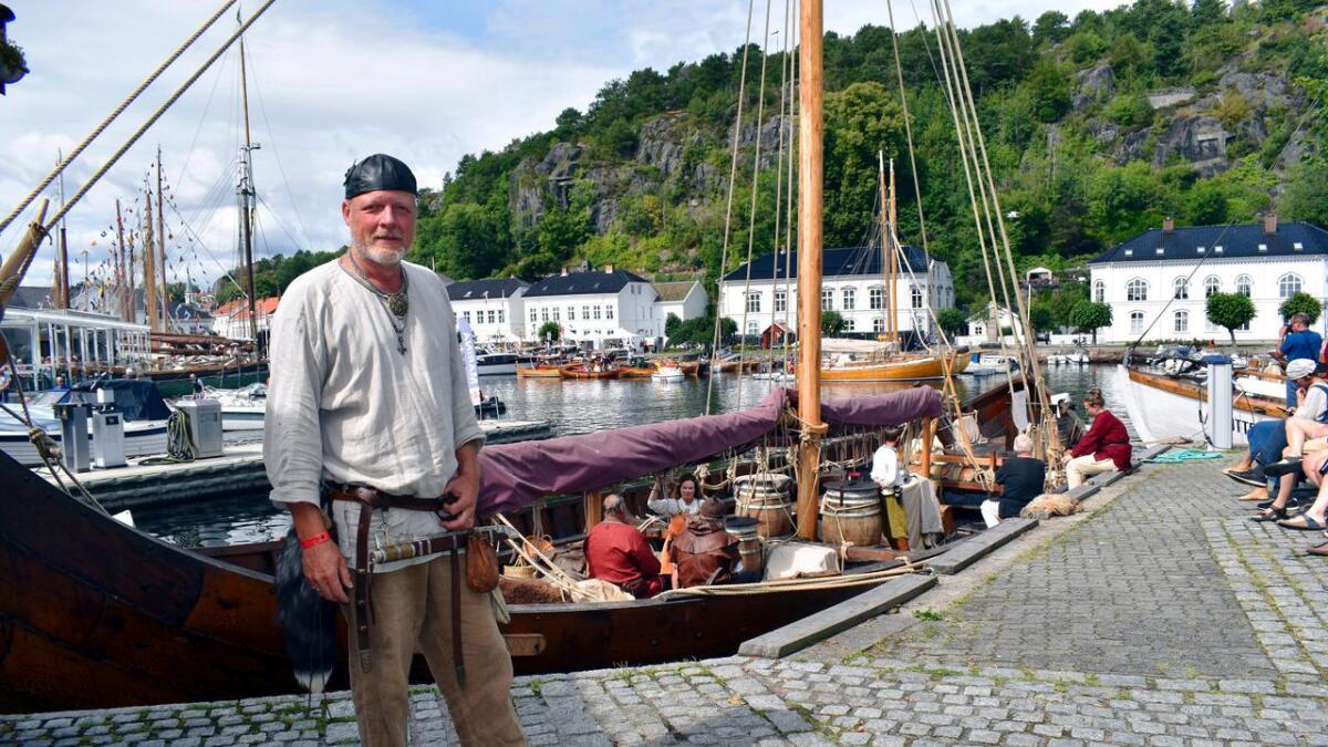 Risør trebåtfestival 2019 er et av stoppene på Saga Farmanns jomfrutur. Toktet gikk gjennom Telemarkskanalen før de kom til Risør, forteller besetningsmedlem og styremedlem i Saga Farmann båtlag, Lars Bill.