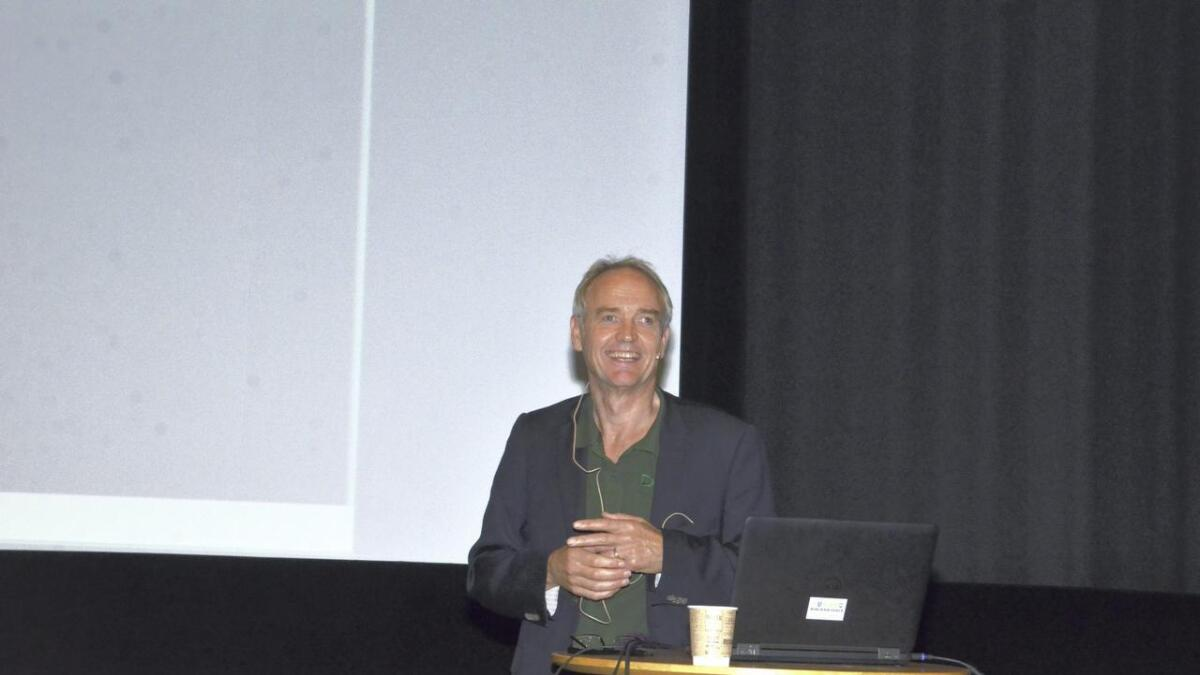Ole Kristian Kaurstad, leder i Nes Næringsforening, inviterer næringslivet til en kveld i Kulturkafeen med prisutdeling og gode foredrag.