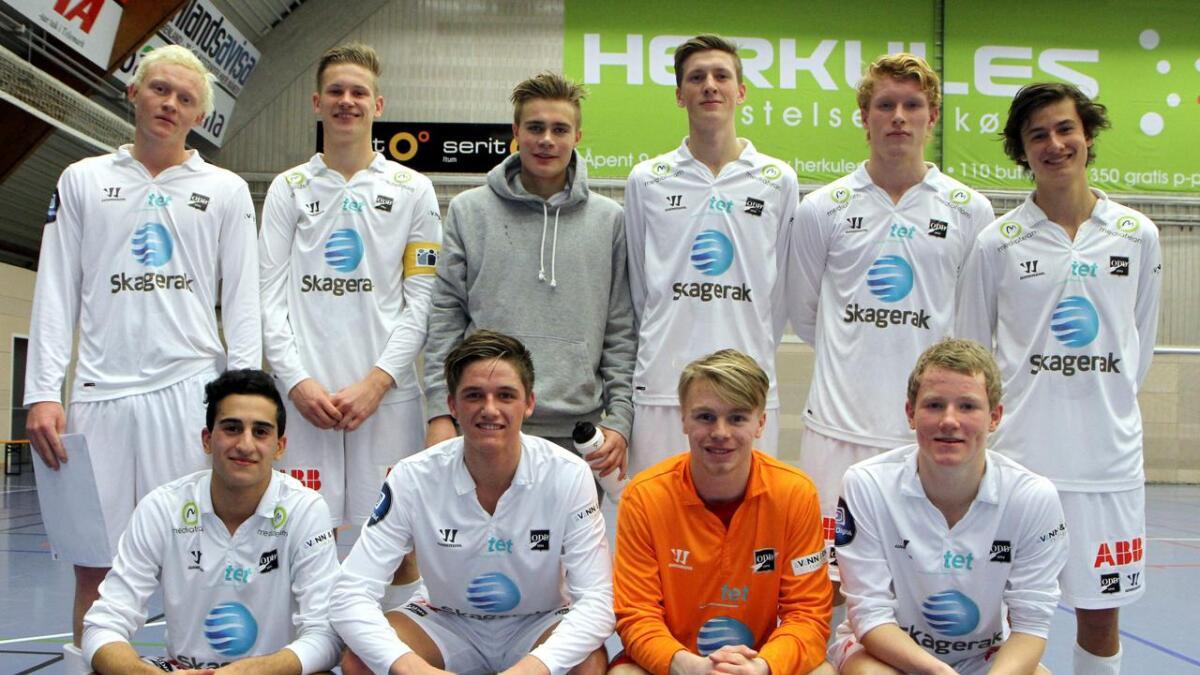 Juniorlaget som sto igjen som mester i Odds egen turnering i Skienshallen.