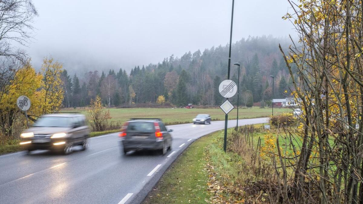 Skiltene om at fartsgrensen er opphevet blir om ikke lenge byttet ut.