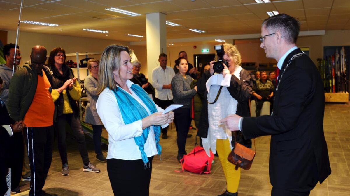 Prosjektleder Anne Marit Haslund og ordfører Robert Cornels Nordli.