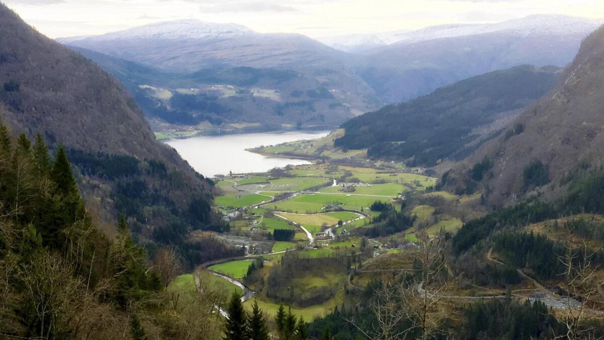 Granvin får eigne utviklingsmidlar når kommunen vert slegen saman med Voss. Her eit utsyn over Øvre Granvin.