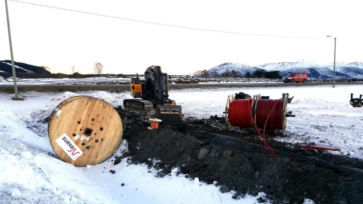 Bilde fra nedlegging av fiberrør på Selnes i Sortland.