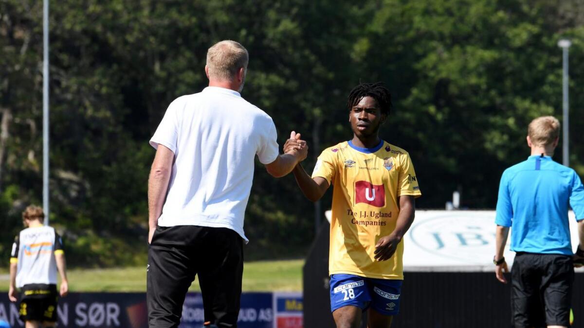 Uzochukwu Onuorah leverte en god kamp for Jerv. Han får skryt av Arne Sandstø.