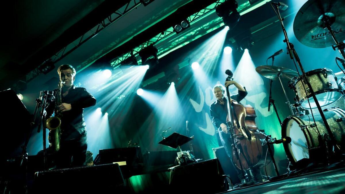 Arild Andersen Quartet, med Marius Neset på saksofon lyfta opningskonserten til dei store høgder.