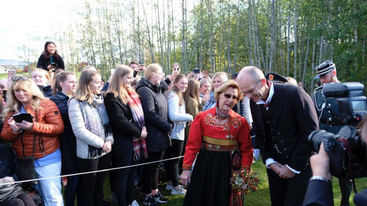 Kongeparet besøker Bø.