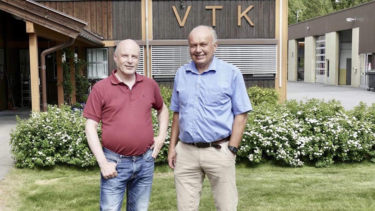 Styreleiar Erik Skjervagen (t.v.) og administrerande direktør i VTK, Ketil Kvaale seier selskapet kan måtte gje frå seg konsesjonen gratis, om andre utbyggarar overtar.  Arkiv