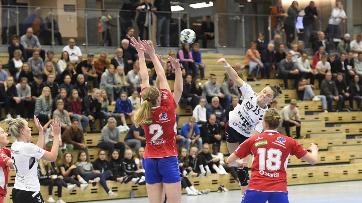 Merlinda Qorraj og Grane møtte eliteserielaget Gjerpen i cupduellen i Sør Amfi i kveld. Hun ble kampens toppscorer med 10 mål i 25-21-triumfen.