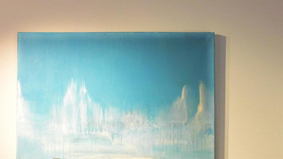 Anders fra Bekkestua kjøpte Vibeke Lillefjære sitt maleri rett fra facebooksiden for 14.000 kroner. Nå gir hun dette til auksjonen.