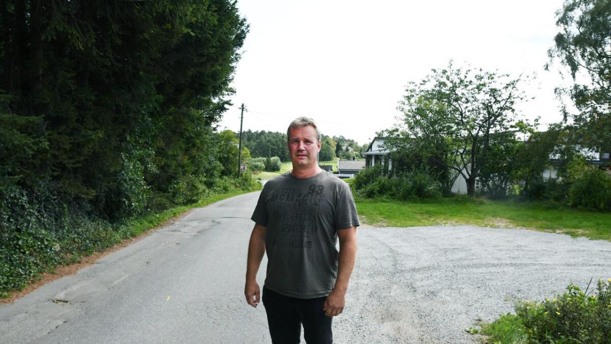Kommunens fagansvarlige for prosjekt Tommy Egge forteller om vanskelige grunnforhold når Grefstadveien skal bygges ut.