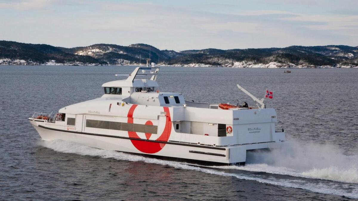 Troms fylkeskommune prøver å fri seg fra hurtigbåtkontrakten.