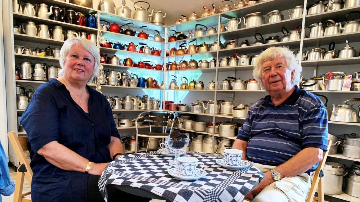 Marit og Hans Olaf Aanensen har bygget opp museum med aluminium på Hisøy. Denne helgen holder de for første gang åpent hus. – Et stort skritt for oss – og forhåpentligvis et lite skritt for menneskeheten, sier de blidt.