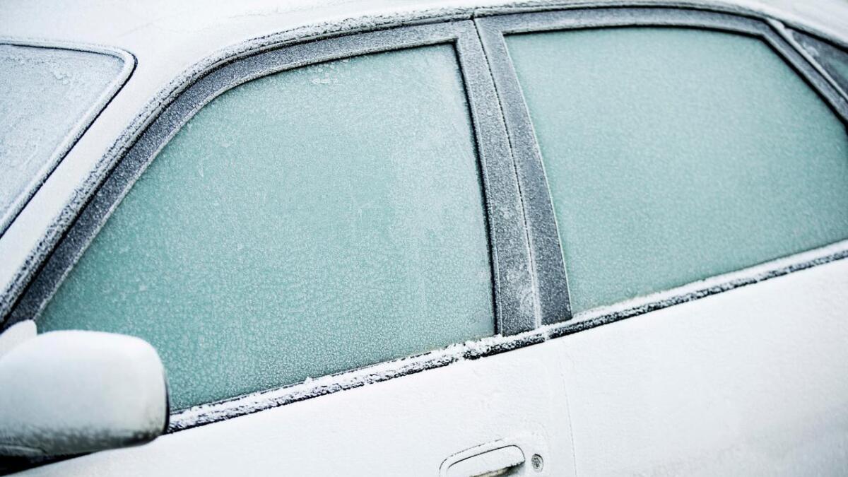 Om ein ikkje skrapar vindauga godt nok, er ein ein fare i trafikken.