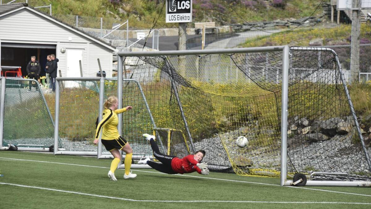 Hedda Mæland skåra Bremnes sitt mål borte mot Voss 2