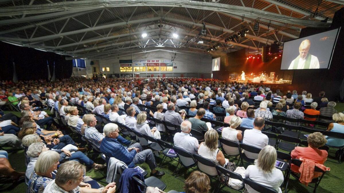 Kunstgressbanen i skjærgårdshallen rommer opptil 4000 mennesker. Bildet er tatt et tidligere år, men festivalsjef Svein Olsen forventer like mange i år.