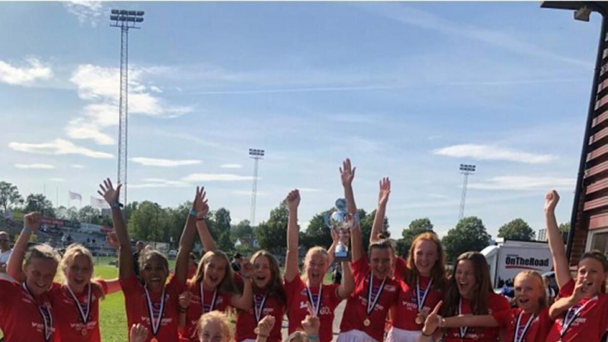 Gol sitt J14-lag vann fotballturnering i helga.
