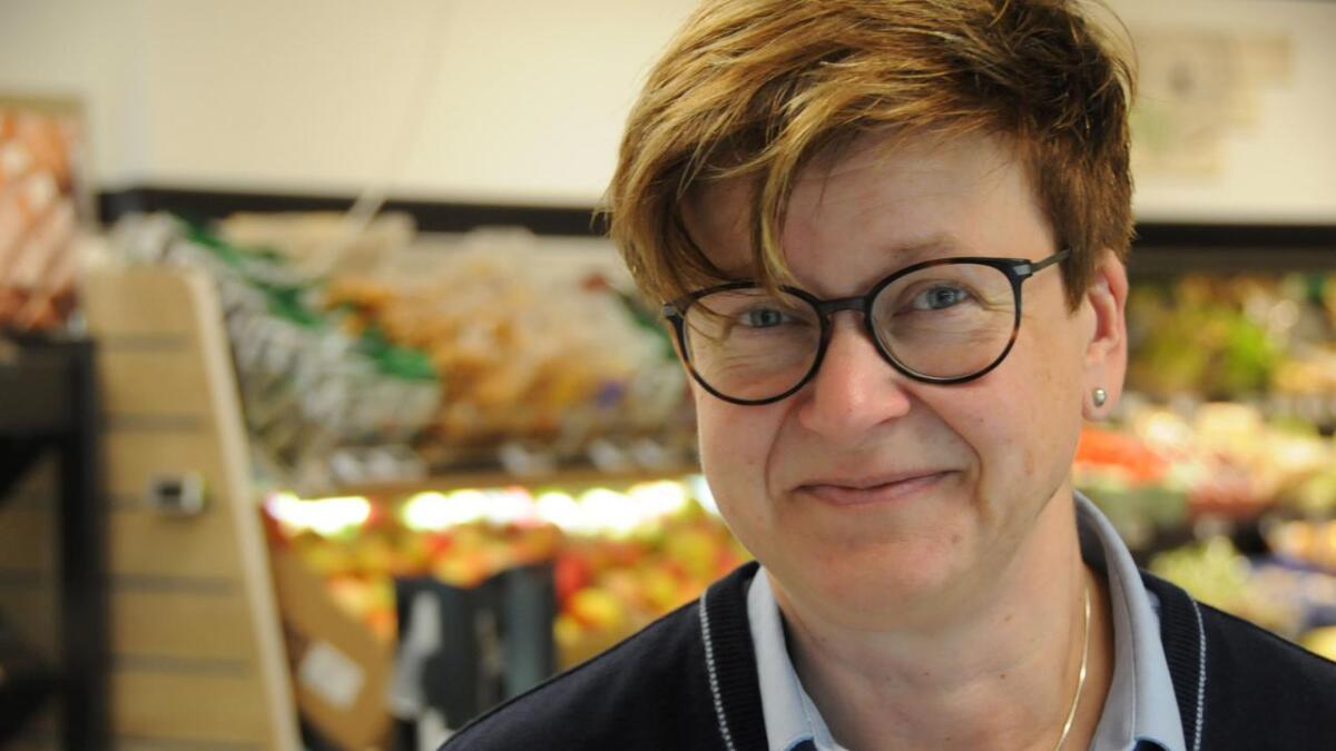 Hanne Kåsen er meir enn gjennomsnitleg opptatt av politikk og og skulle bruke lunsjen til å få stemt.