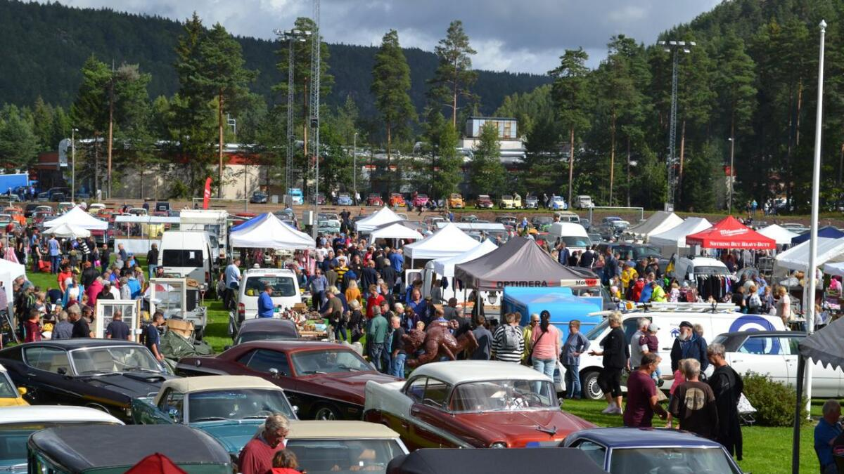 Brukt og delemarkedet i Birkenesparken er et av de aller største i sitt slag og samler folk fra hele Sørlandet.