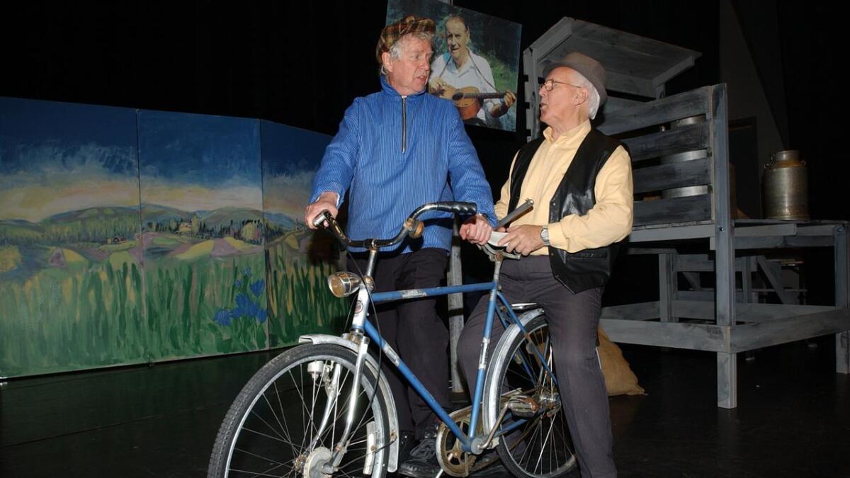 Ole Erik Eier og Odd Opaker er gjesteartister i revyen.