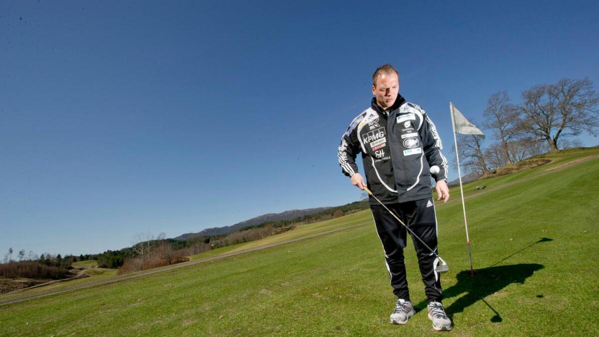 Ole Hjelmhaug følgjer godt med på kva som skjer i Stord, etter at han var trenar i klubben i 2010 og 2011. No skal han vera blant kandidatane til å ta over etter Jon Pall Palmason.