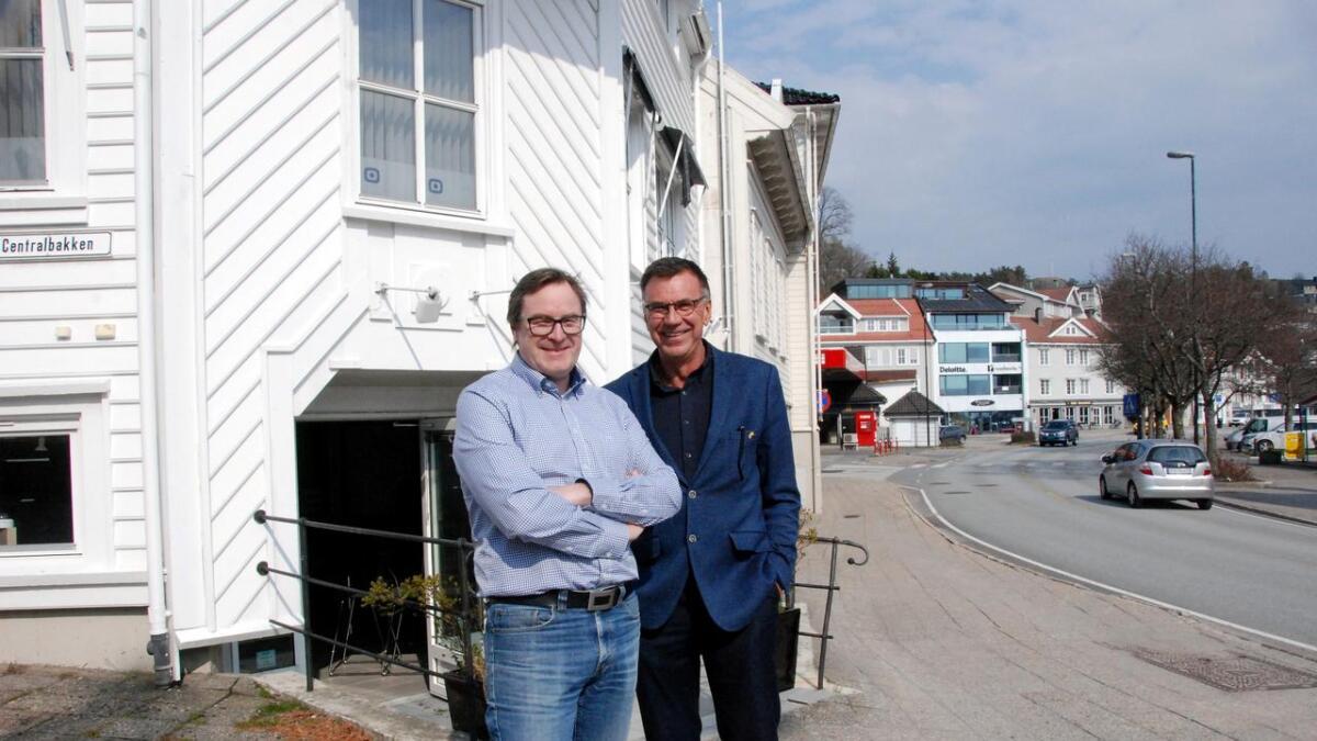 Daglig leder Stig Maguns Birkeland Knutsen og styreleder Jan-Roger Olsen gleder seg over det suksessfulle fjoråret.
